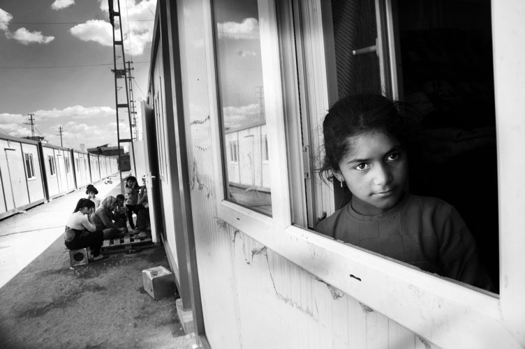Meisje in vluchtelingenkamp Suruc Turkije