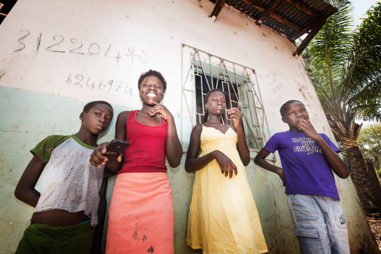 family strengthening programs - SOS - Mona van den Berg-2-5